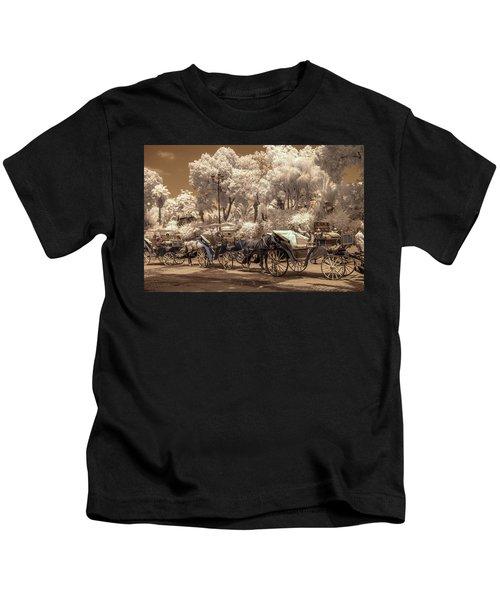 Marrakech Street Life - Horses Kids T-Shirt