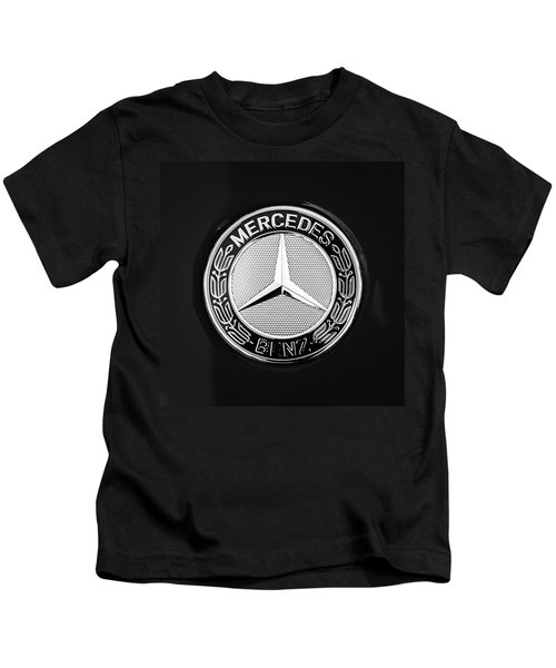 Kids T-Shirt featuring the photograph Mercedes-benz 6.3 Gullwing Emblem by Jill Reger