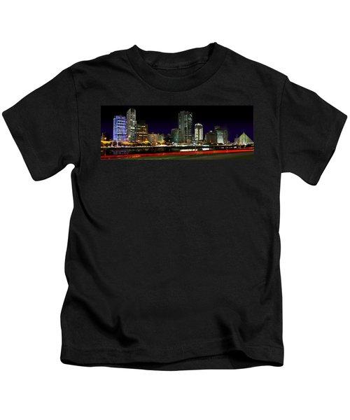Modern Sao Paulo Skyline Near Brooklin District And Stayed Bridge Kids T-Shirt