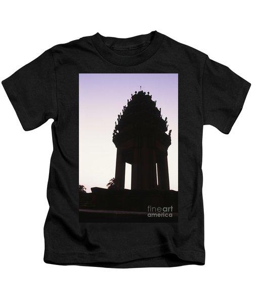 Monument Phnom Penh Cambodia Kids T-Shirt