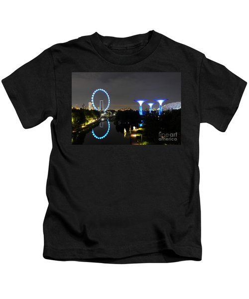 Night Shot Of Singapore Flyer Gardens By The Bay And Water Reflections Kids T-Shirt