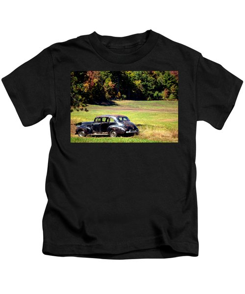 Old Car In A Meadow Kids T-Shirt