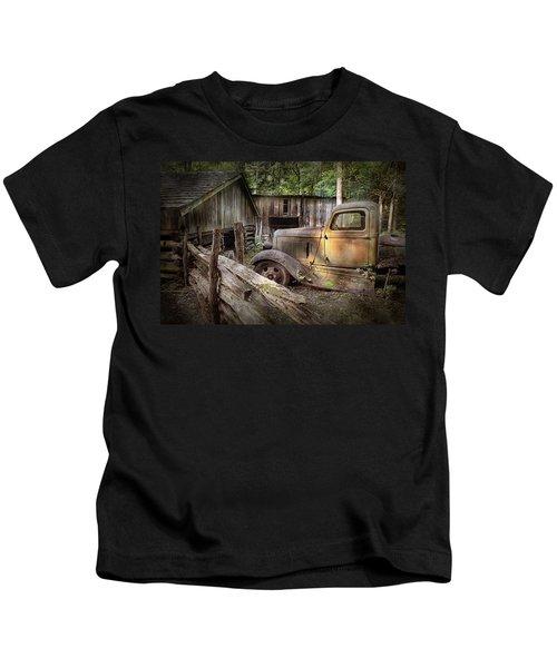 Old Farm Pickup Truck Kids T-Shirt