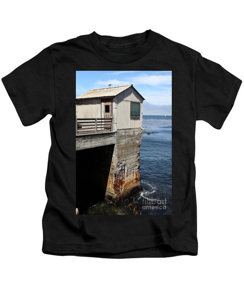 Old Shack Overlooking The Monterey Bay In Monterey Cannery Row California 5d25062 Kids T-Shirt