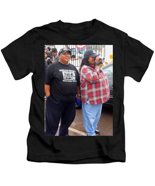 Pima Indians Watching Parade Sacaton Arizona 2005 Kids T-Shirt