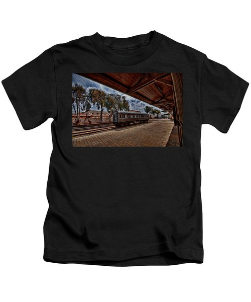platform view of the first railway station of Tel Aviv Kids T-Shirt