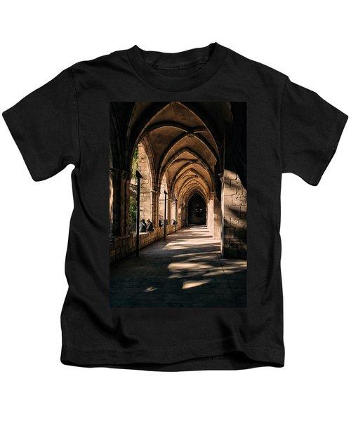 Relaxing In Barcelona Kids T-Shirt