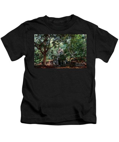 Ruin At Angkor Wat Kids T-Shirt