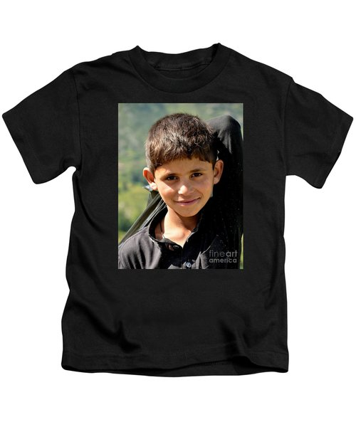 Smiling Boy In The Swat Valley - Pakistan Kids T-Shirt