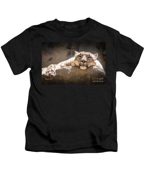 Snow Leopard Relaxing Kids T-Shirt