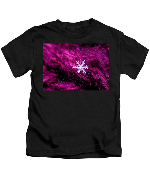 Snowflake On Magenta Kids T-Shirt