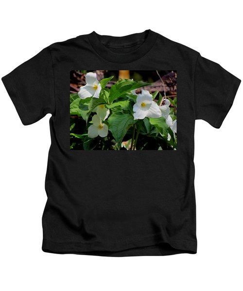 Springtime Trillium Kids T-Shirt