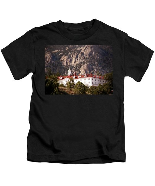Stanley Hotel Estes Park Kids T-Shirt by Marilyn Hunt