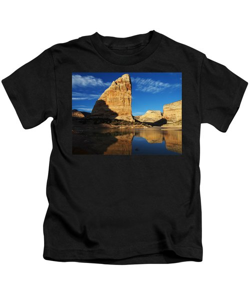 Steamboat Rock In Dinosaur National Monument Kids T-Shirt