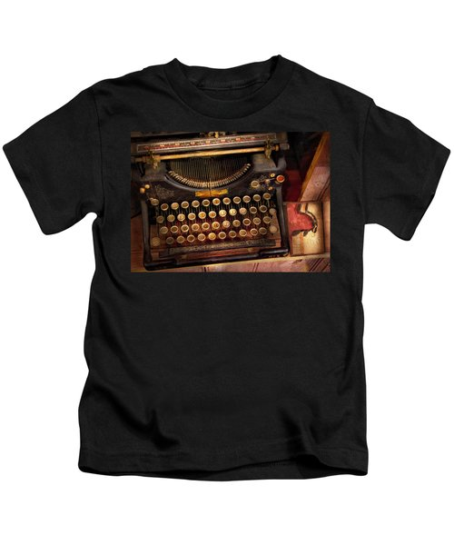 Steampunk - Just An Ordinary Typewriter  Kids T-Shirt