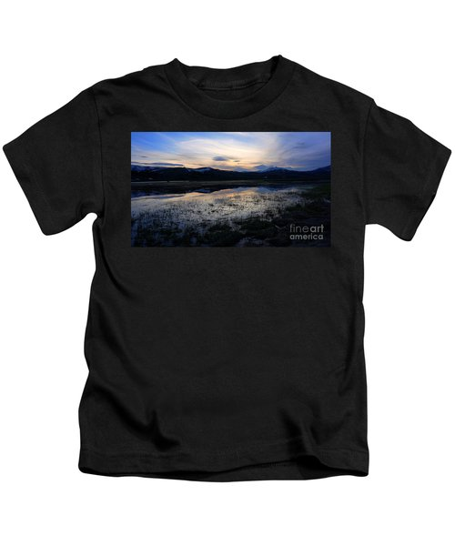 Sunset At A Lake Near Mammoth In Yellowstone Kids T-Shirt