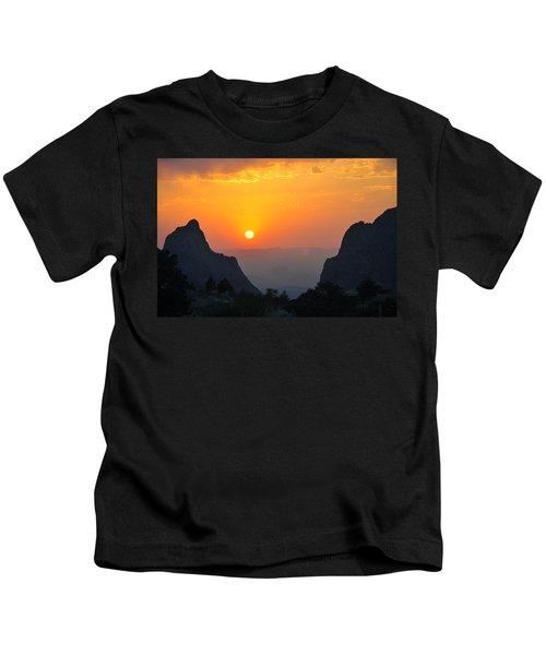 Sunset In Big Bend National Park Kids T-Shirt