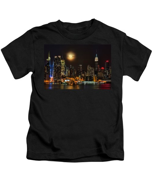 Super Moon Over Nyc Kids T-Shirt