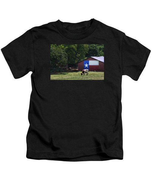 Texas Longhorn Grazing Kids T-Shirt