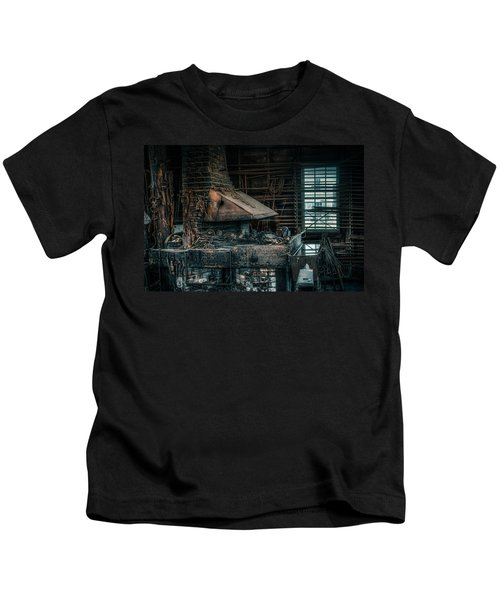 The Blacksmith's Forge - Industrial Kids T-Shirt