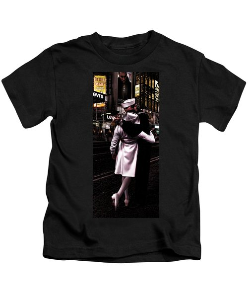 The Kiss In Times Square Kids T-Shirt