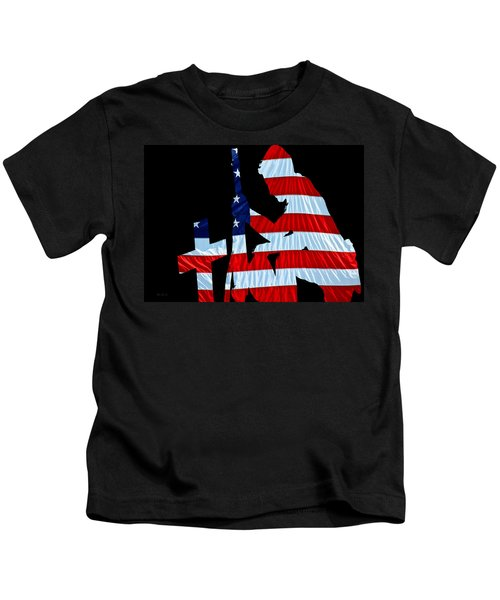 A Time To Remember United States Flag With Kneeling Soldier Silhouette Kids T-Shirt