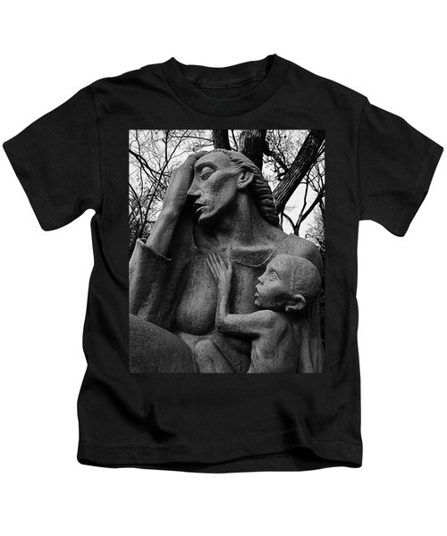 War Mother By Charles Umlauf In Black And White Kids T-Shirt