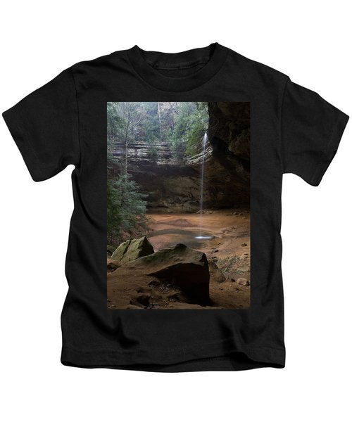 Waterfall At Ash Cave Kids T-Shirt