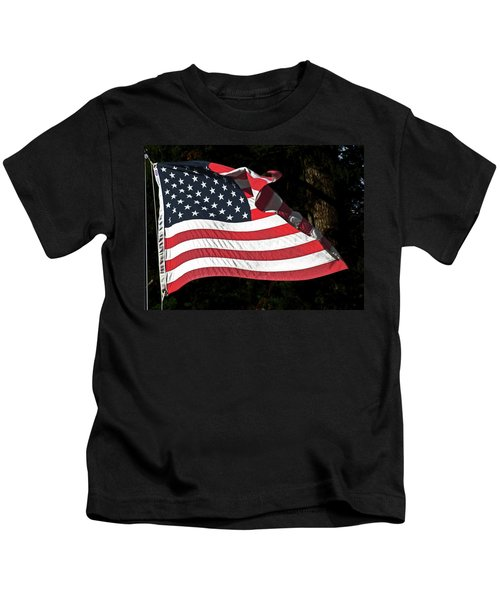 Waving Flag Kids T-Shirt