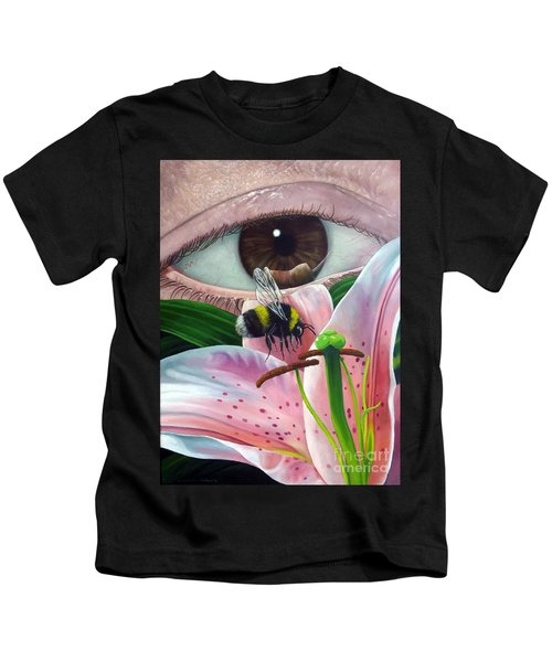 White Tailed Bumble Bee Upon Lily Flower Kids T-Shirt