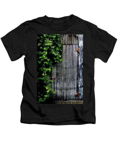 Wild Grape Vine Door Kids T-Shirt