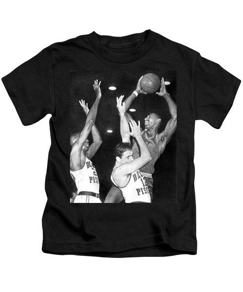Wilt Chamberlain Shoots Kids T-Shirt