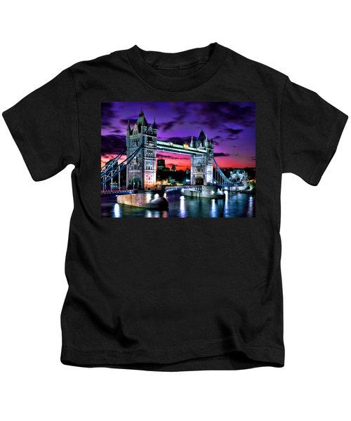 London Evening At Tower Bridge Kids T-Shirt