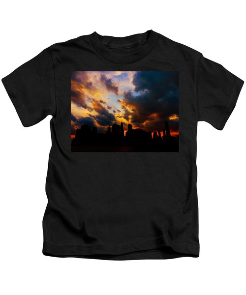 New York City Skyline At Sunset Under Clouds Kids T-Shirt