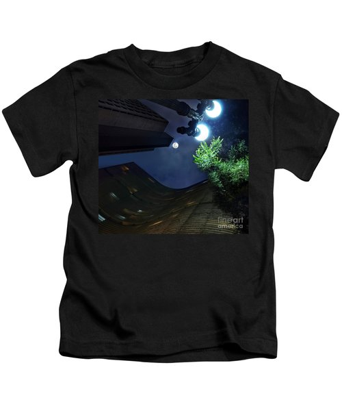 Copan Building And The Moonlight Kids T-Shirt
