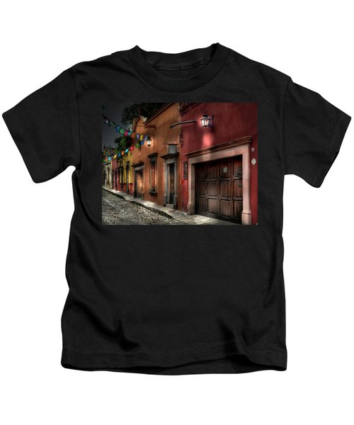 1 A.m. Street Photo Kids T-Shirt