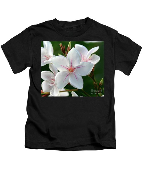 Oleander Harriet Newding  2 Kids T-Shirt