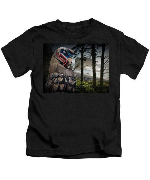 Totem Pole In The Pacific Northwest Kids T-Shirt