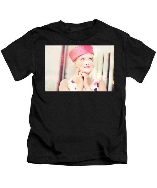Vintage Val The Coral Hat Kids T-Shirt