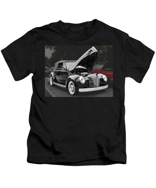 1940 Ford Deluxe Automobile Kids T-Shirt