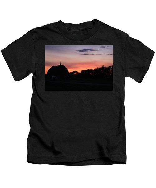 Barn Sunset Kids T-Shirt