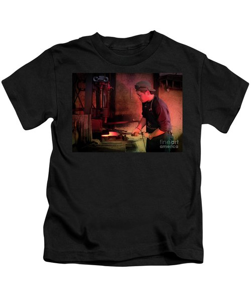 4th Generation Blacksmith, Miki City Japan Kids T-Shirt