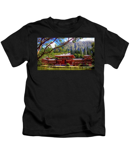 Buddhist Temple - Oahu, Hawaii - Kids T-Shirt