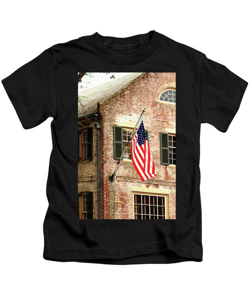 American Flag In Colonial Williamsburg Kids T-Shirt