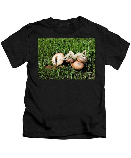 Angoisse Feminine#6 Kids T-Shirt
