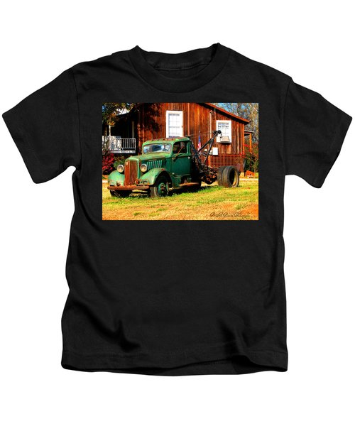 Antique Tow Truck Kids T-Shirt
