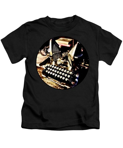 Antique Typewriter Oliver #9 Kids T-Shirt