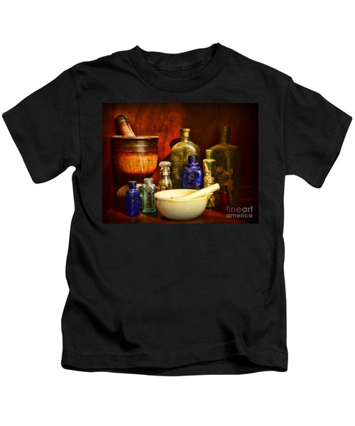 Apothecary - Tools Of The Pharmacist Kids T-Shirt