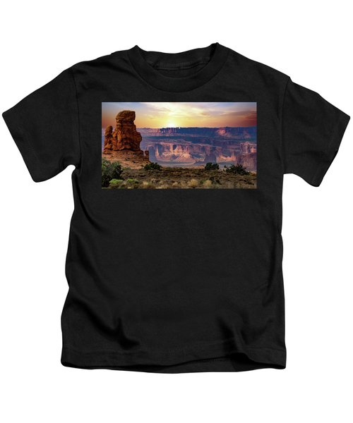Arches National Park Canyon Kids T-Shirt