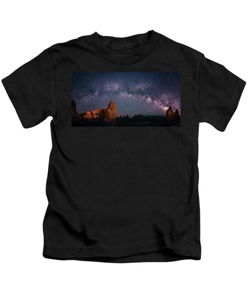 Arches National Park Panorama  Kids T-Shirt